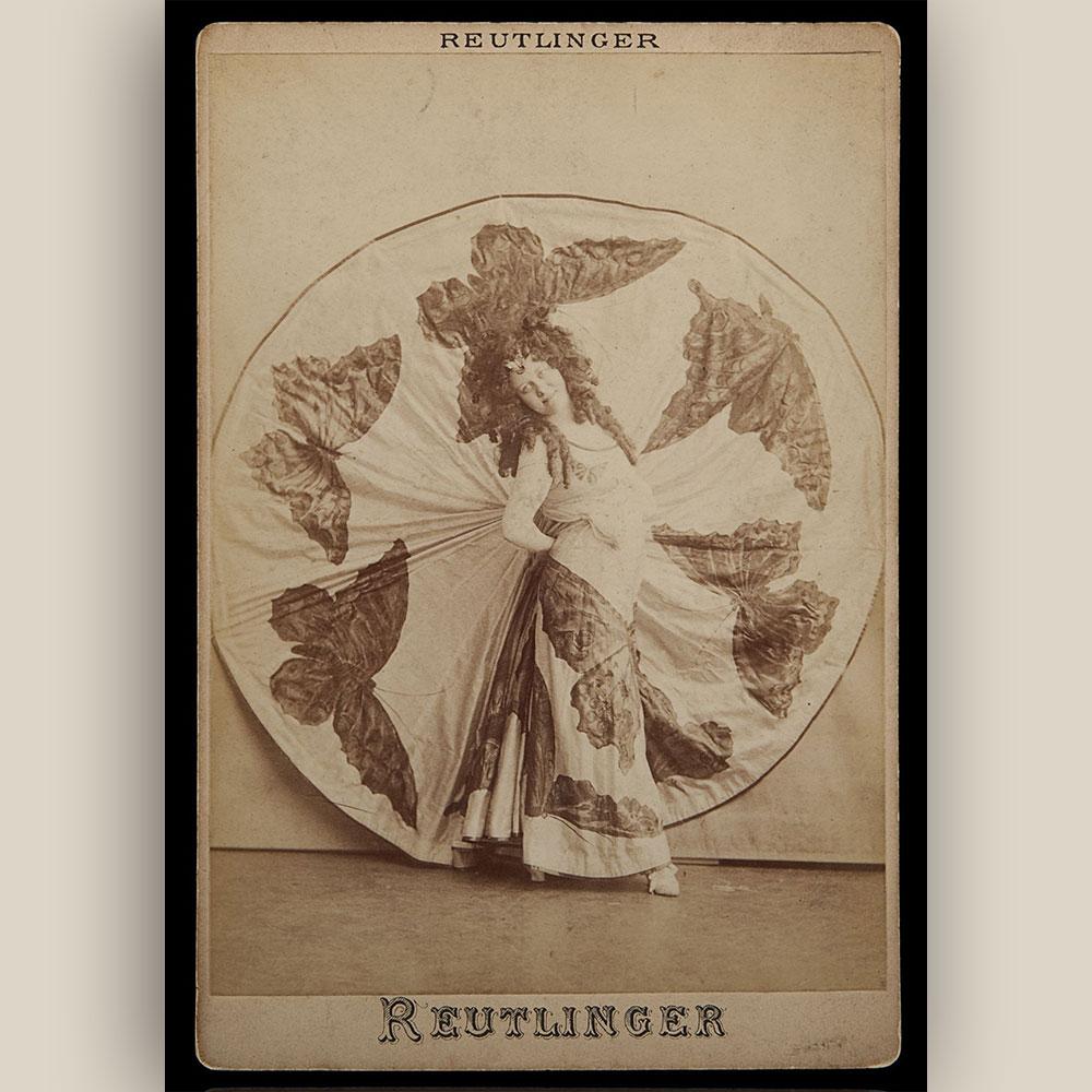 Wiener Museum Loie Fuller Butterfly Cabinet Card